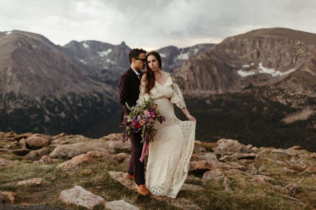 trail ridge road in rocky mountain elopement