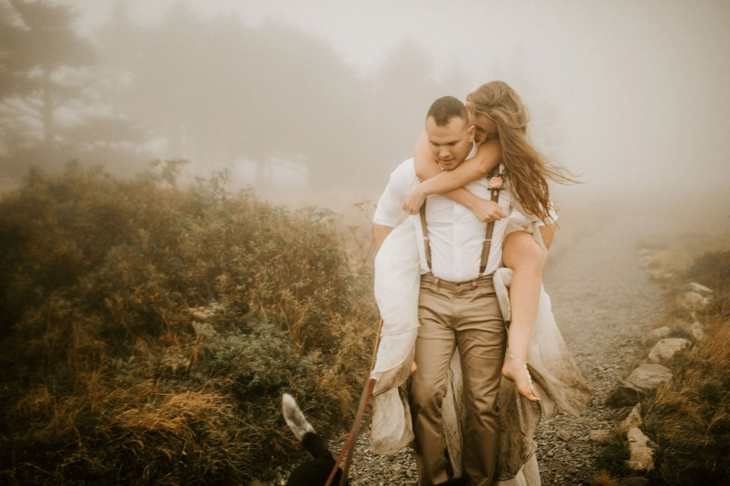 romantic elopement in the mountains