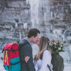 new-york-winter-hiking-elopement-8