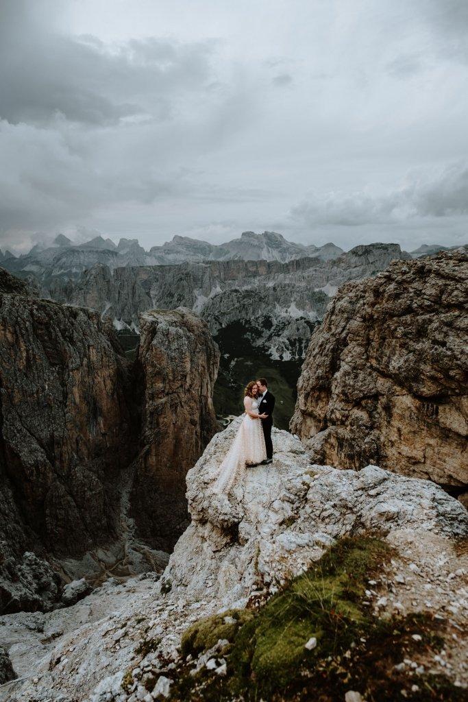 Dolomites hiking elopement advenutre