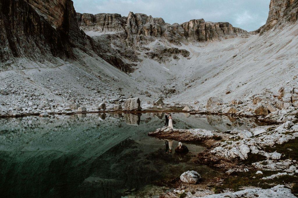 exchanging vows at Dolomites