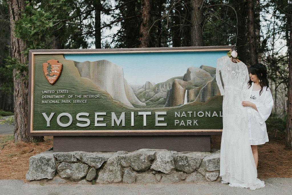 Yosemite welcome sign