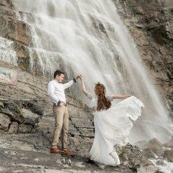 17-Kaci-Lou-Photography-Waterfall-Wandering-weddings-1