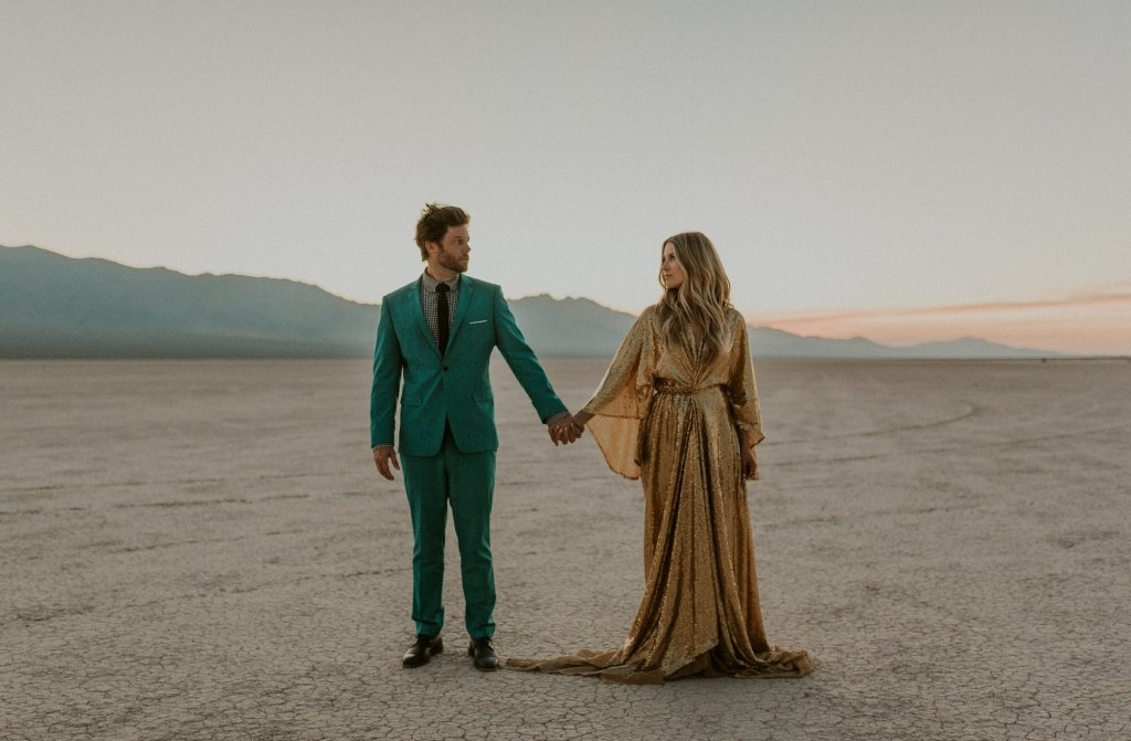 elopement in Nevada dry lake bed