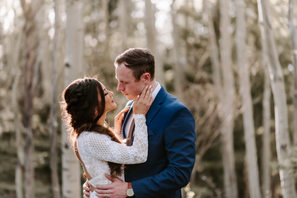 santa fe elopement within teepee trees