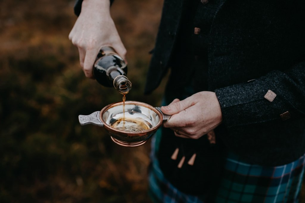 quaich ceremony is Scotland paired with a traditional handfasting ceremony