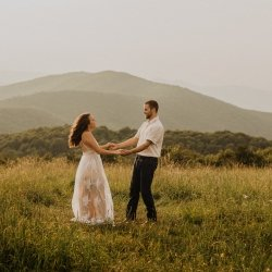 max-patch-north-carolina-mountain-engagement-session-tori-lynne-photography-195