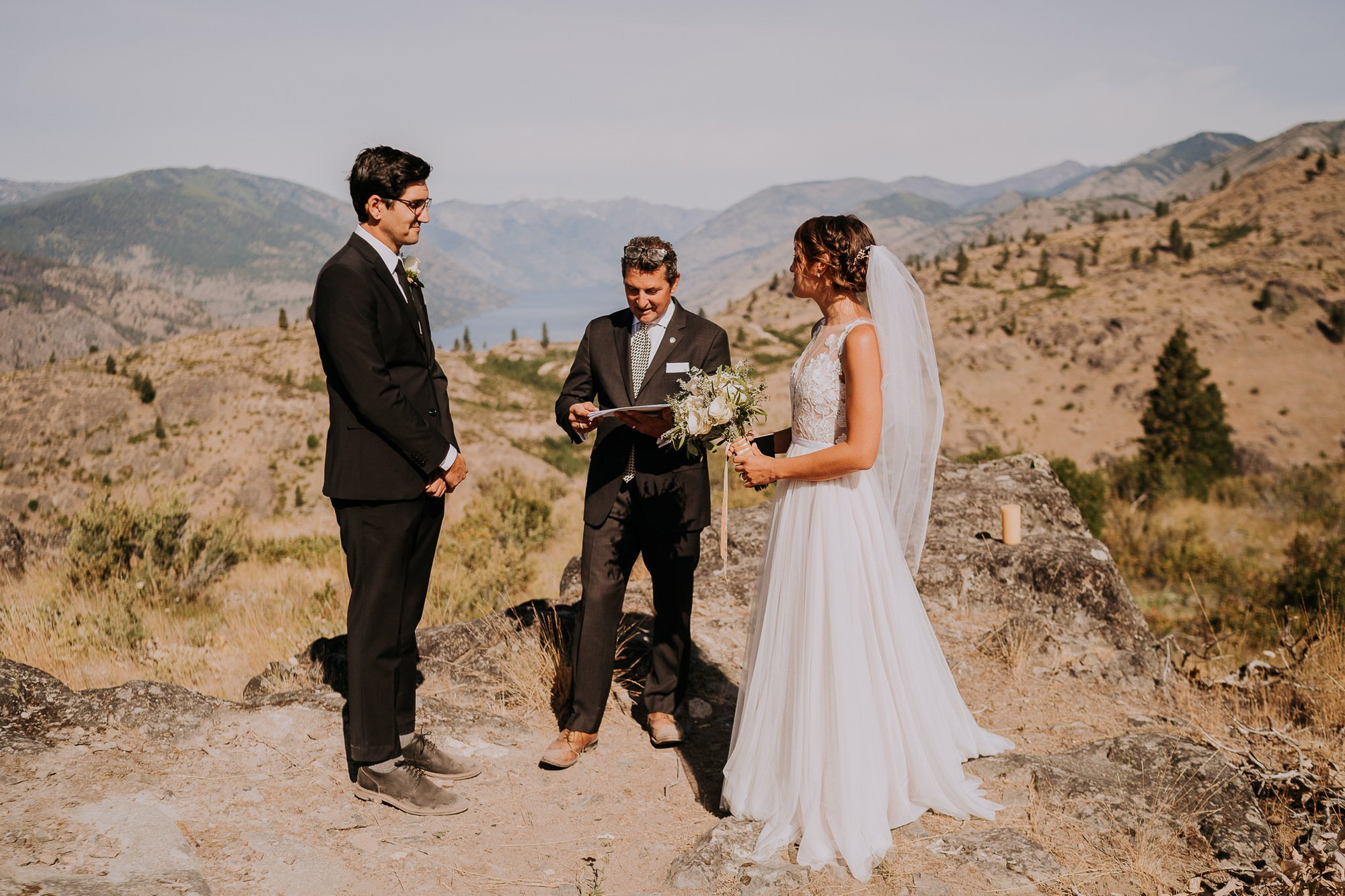 Lake Chelan Wedding ceremony with uncle officiating