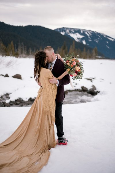 Winter elopement on Mt. Hood. Photo by Danielle Peterson Photography