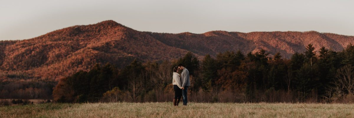 Top Tips When Planning For Your Smoky Mountain Engagement Photos